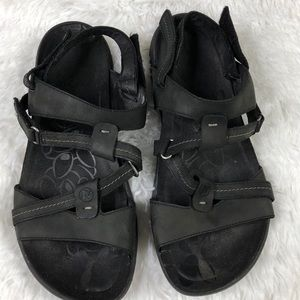 MERRELL STRAPPY COMFY BLACK LEATHER SANDALS SIZE 9